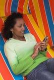 Senden eines textmessage Lizenzfreie Stockfotos