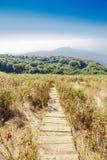 Sendero a lo largo de la montaña Fotos de archivo