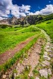 Sendero pedregoso en las montañas de Tatras Fotografía de archivo