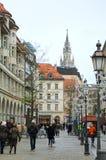 Sendlingerstraat overvol met mensen in München Royalty-vrije Stock Afbeeldingen