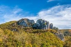 Seneca Rocks in autunno fotografie stock