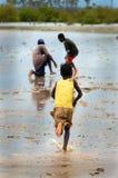 SENEGAL - SEPTEMBER 17: Liten flicka från ön av Carabane Arkivfoton
