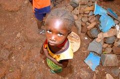 SENEGAL, WRZESIEŃ - 17: Mała dziewczynka od Bedic pochodzenia etnicznego, th obraz royalty free