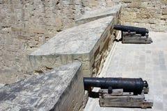 Senglea, Μάλτα, τον Ιούλιο του 2016 Εκλεκτής ποιότητας πυροβόλα στον τοίχο φρουρίων στην παλαιά πόλη στοκ φωτογραφία με δικαίωμα ελεύθερης χρήσης