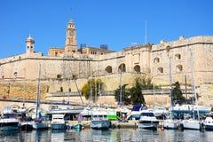 Senglea strandbyggnader, Malta Royaltyfri Bild