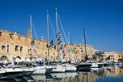 Senglea strandbyggnader och marina, Malta Royaltyfria Bilder