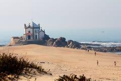 Senhor da Pedra教堂在米拉马尔附近的波尔图 免版税库存照片