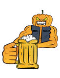 Senhor Pumpkin que guarda o vidro de desenhos animados da cerveja Imagens de Stock