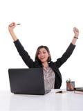 Senhora bem sucedida do escritório que expressa sua alegria foto de stock royalty free