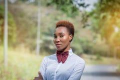 Senhora bonita de África em um laço Fotografia de Stock Royalty Free