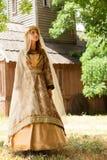 Senhora de Madieval em exterior. fotografia de stock royalty free