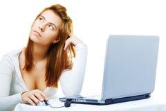 Senhora do negócio frustrada com seu computador fotos de stock