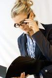 Senhora do negócio nos vidros Fotografia de Stock