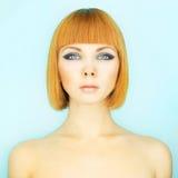 Senhora do Redhead com prumo Foto de Stock