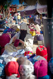 Senhora muçulmana que vende seus mercadorias Imagem de Stock Royalty Free