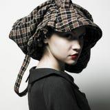 Senhora nova com chapéu Foto de Stock