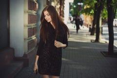 Senhora para uma caminhada Imagem de Stock