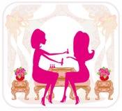 Senhora que faz o tratamento de mãos no salão de beleza, cartão abstrato Foto de Stock Royalty Free