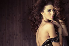 Mulher sensual na pose 'sexy' Fotos de Stock Royalty Free