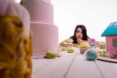 Senhora virada na dieta Foto de Stock Royalty Free