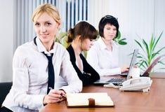 Senhoras do negócio no escritório Foto de Stock Royalty Free
