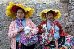 Senhoras peruanas em Cusco no Peru Fotografia de Stock Royalty Free