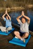 Senior asian couple exercising Royalty Free Stock Images