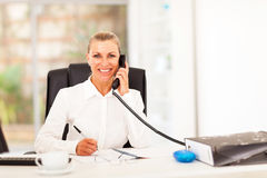 Senior businesswoman phone Royalty Free Stock Photography