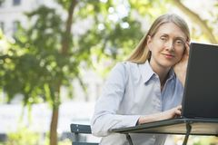 Senior Businesswoman Using Laptop Royalty Free Stock Photography