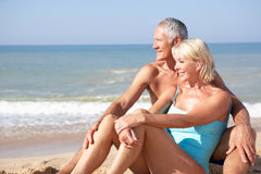 Senior couple on beach holiday Royalty Free Stock Photos