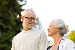 Senior couple in city park Royalty Free Stock Photography