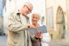 Senior couple on city street Royalty Free Stock Photography