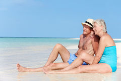 Senior Couple Enjoying Beach Holiday Royalty Free Stock Photos