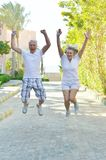 Senior couple jumping Royalty Free Stock Photography