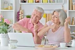 Senior couple  with laptop Royalty Free Stock Photo