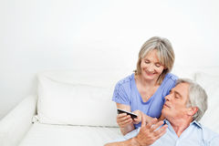 Senior couple playing Royalty Free Stock Photography