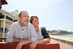 Senior couple in residential resort on the seaside Royalty Free Stock Photos