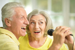 Senior couple singing Stock Photos