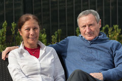 Senior couple smiling Royalty Free Stock Photography