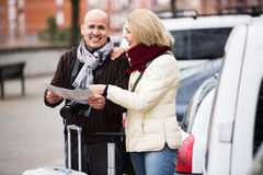 Senior couple of travellers Royalty Free Stock Photos