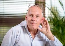 Senior głuchy troszkę Obraz Royalty Free