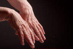 Senior hands. Suffering from pain and rheumatism Royalty Free Stock Image