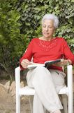 Senior lady reading Royalty Free Stock Photography