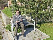 The senior man on the bench Royalty Free Stock Photos