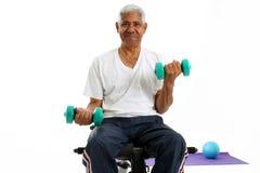 Senior Man Lifting Weights Royalty Free Stock Photography