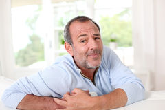 Senior man with sceptic look Royalty Free Stock Photography