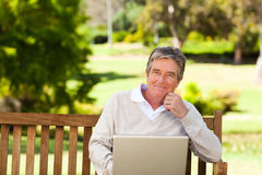 Senior man working on his laptop Royalty Free Stock Images