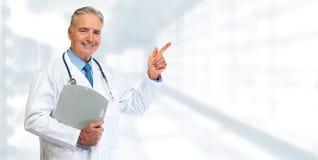 Senior medical doctor Royalty Free Stock Photos