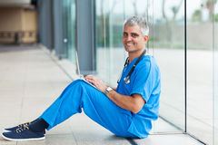 Senior medical worker Royalty Free Stock Images