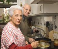 senior parę kuchni Zdjęcia Royalty Free